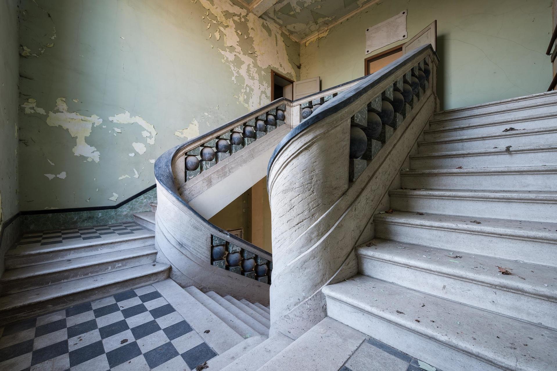 Stairdust